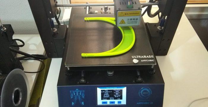 El IES Magallanes realiza viseras protectoras con impresoras 3D