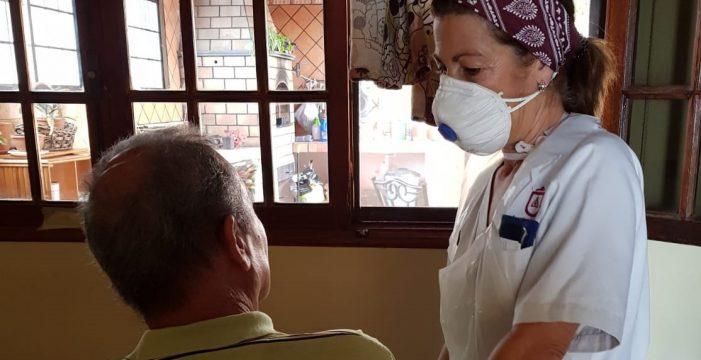 Más de 100 personas reciben ayuda a domicilio en Candelaria