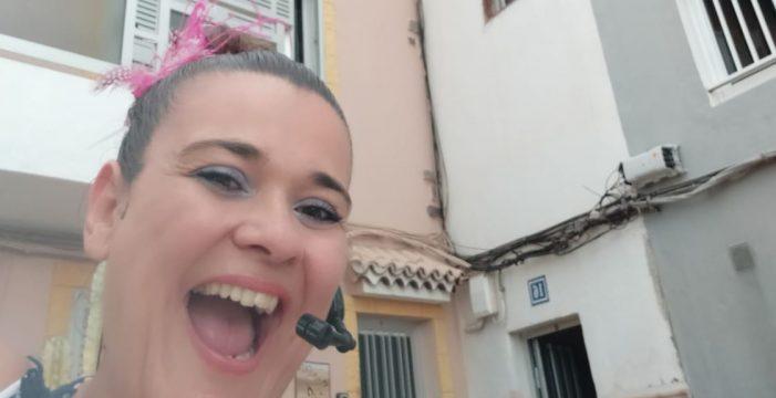 Olga, la gran animadora de Los Cristianos que regala risas contra el virus