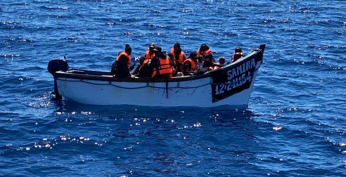Marlaska retira el mando de inmigración al jefe de la Guardia Civil en Canarias