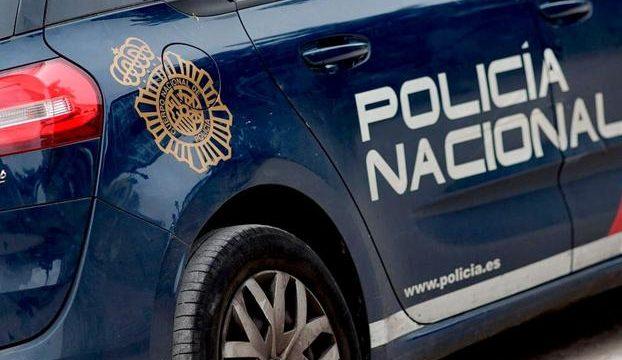 Detenida una limpiadora de un centro hospitalario de Santa Cruz de Tenerife por presuntamente robar mascarillas, guantes y gel desinfectante