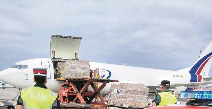 Canarias recibe un cargamento vital de material sanitario