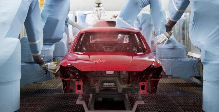 SEAT utiliza 200 robots en el proceso de pintura de sus coches, en el cual intervienen 1.100 empleados