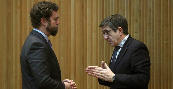 La reacción de Patxi López tras una nueva bronca entre Vox y Podemos
