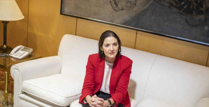 """Reyes Maroto: """"Ya preparamos los destinos y la ayuda de Europa; nos preocupan Canarias y Baleares"""""""