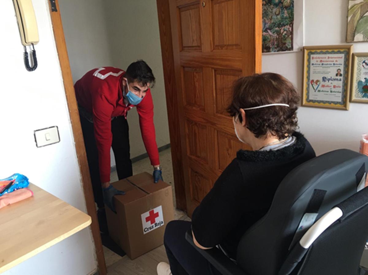 La Covid-19 desborda a Cruz Roja: 86.000 personas en dos meses. Cruz Roja