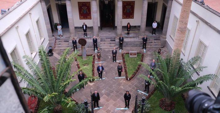Torres sella el 'pacto de reconstrucción' de Canarias sin el apoyo de PP y Cs