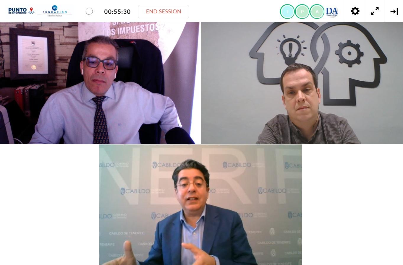 El periodista Antonio Salazar; el presidente del Cabildo insular, Pedro Martín, y el director de contenidos de DIARIO DE AVISOS.com, José Antonio Felipe. DA