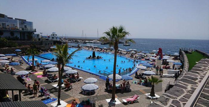 Candelaria renueva con Costas la concesión de la piscina por 15 años