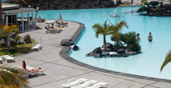 Unas 200 personas se dan cita en el primer día del Parque Marítimo