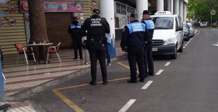 La Policía Local lagunera toma nota y controla los bajos de Alcampo