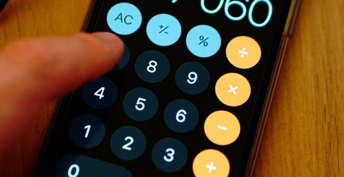 ¿Pueden robar tus datos por usar las apps de linterna o calculadora?
