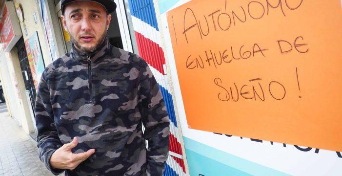 Alexander, un autónomo tinerfeño en 'huelga de sueño' para salvar su negocio