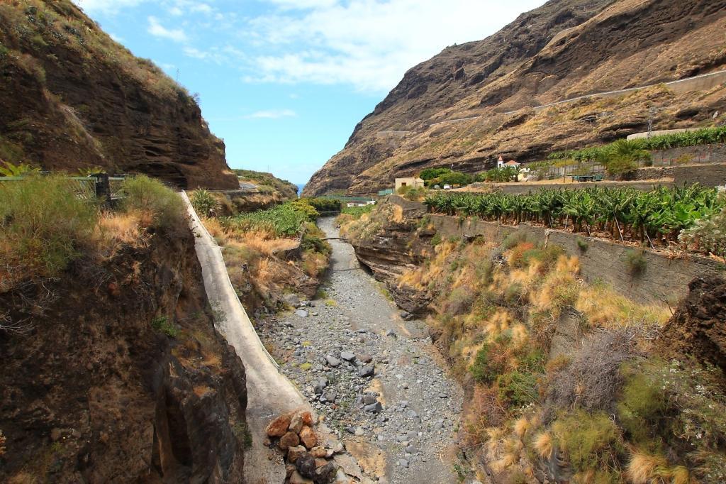 El estudio ahondará sobre las posibles ubicaciones para implantar la infraestructura recolectora de agua en el barranco de las Angustias. DA