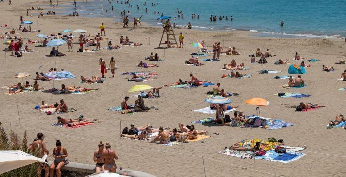 Arona abrirá mañana la playa de Las Vistas en su totalidad