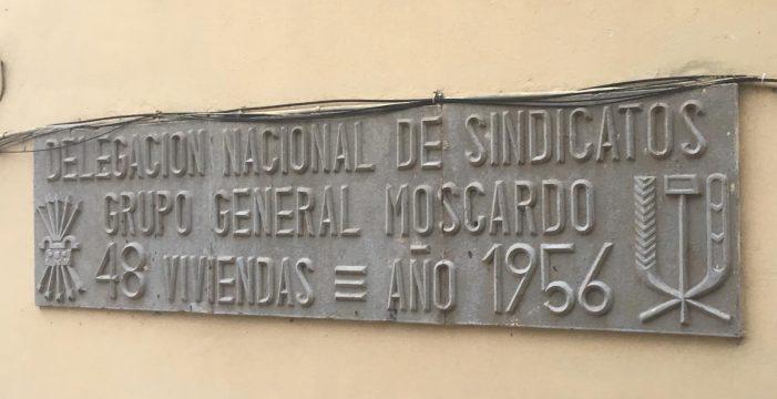 Icod conserva todavía tres placas con simbología franquista