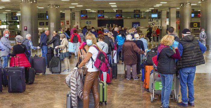España perdió en mayo ocho millones de turistas y 8.100 millones de euros