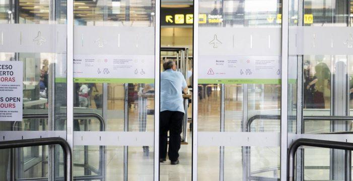 El Gobierno prorroga las restricciones de viajes desde países fuera de la UE hasta fin de año