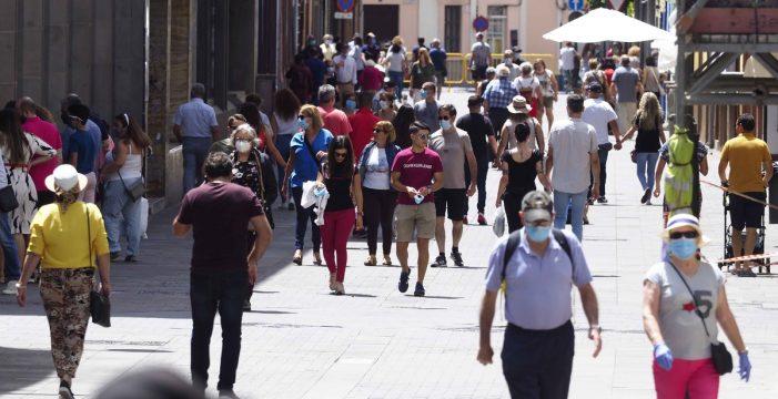 La nueva normalidad llega mañana a Canarias con menos restricciones
