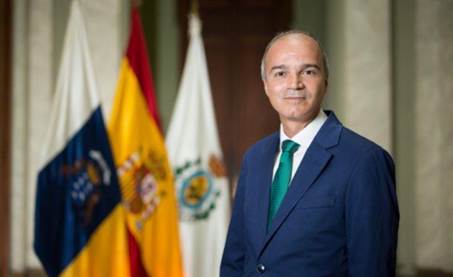 Díaz Estébanez no informa al Parlamento de su contacto estrecho con un positivo en Covid… ¡Y encima se queja en Twitter!