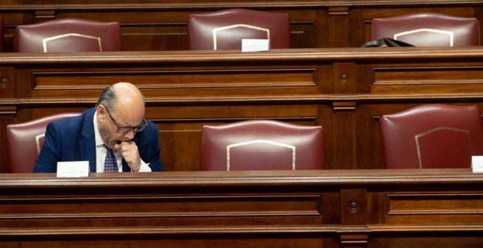 CC le mete un gol al PSOE en el Parlamento con el programa de mayores Ansina