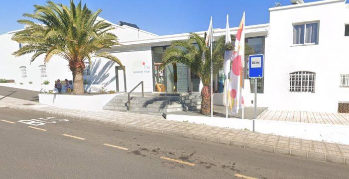 Los pasajeros del vuelo Madrid-Lanzarote 'confinados' en un hotel se harán las PCR esta semana