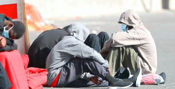 Seis de los 28 ocupantes de la patera del lunes en Gran Canaria dan positivo