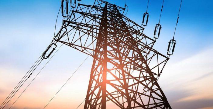 Vecinos de distintas zonas de Tenerife se quejan de los continuos cortes de suministro eléctrico