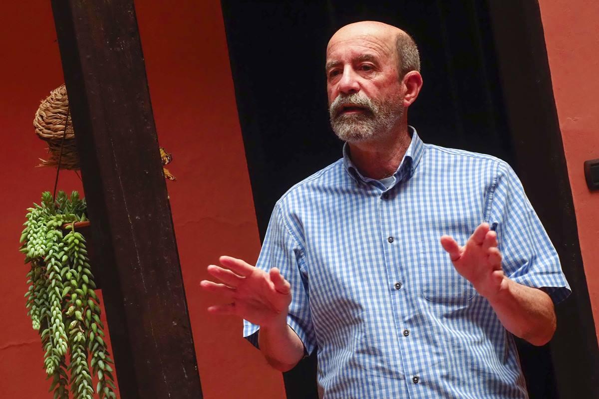 Santiago Pérez. Sergio Méndez