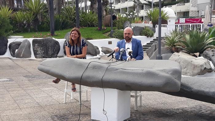 La concejal de Patrimonio, Julia Navas, y el alcalde, Marco González, expusieron ayer las mejoras que se llevaron a cabo en el recinto y el protocolo que se implementará. DA