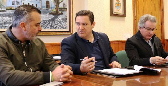 Ángel Víctor Torres y Pedro Martín cierran filas con Mena en Arona