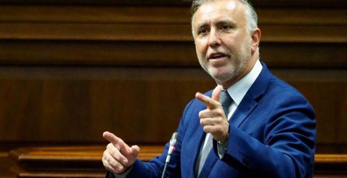 La oposición aprieta a Torres con la interinidad en Sanidad y Educación