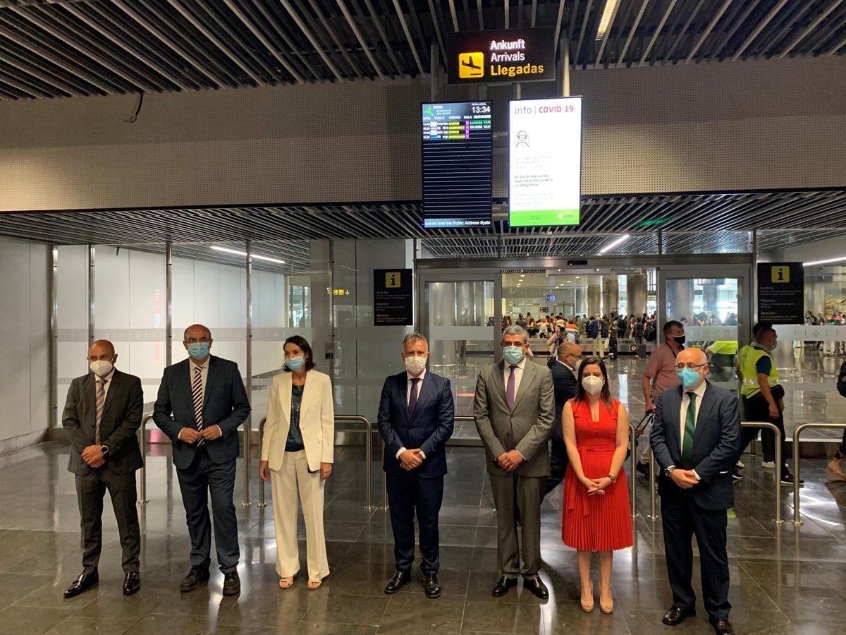 """Madrid anuncia un plan turístico """"ambicioso"""" para Canarias"""