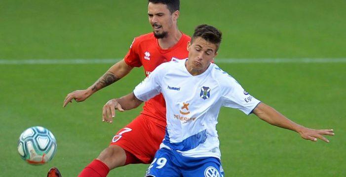 El Tenerife despide la temporada con una derrota (2-1)