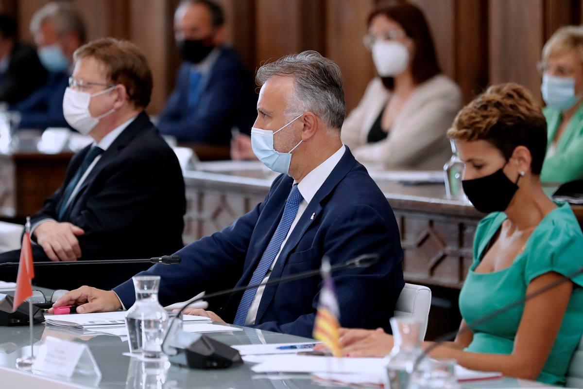 (I-D) Los presidentes de la Comunidad Valenciana, Canarias y Navarra -Ximo Puig, Ángel Víctor Torres y María Chivite- durante la XXI Conferencia de Presidentes, en San Millán de la Cogolla, La Rioja (España), a 31 de julio de 2020. EP