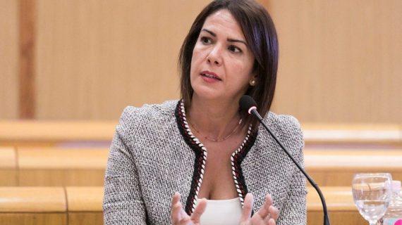 Evelyn Alonso crea un servicio de prensa con logo propio en el Ayuntamiento de Santa Cruz