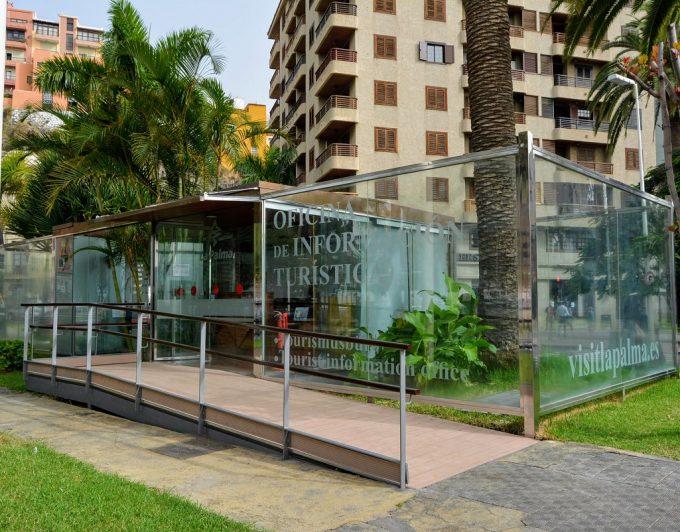 Reabren las oficinas de turismo del aeropuerto y de Santa Cruz de La Palma