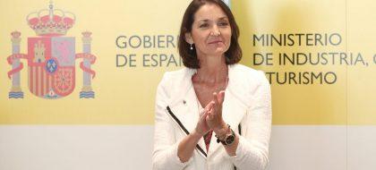 Reyes Maroto avanza un programa específico de inversiones para Canarias con el que recuperar el sector turístico