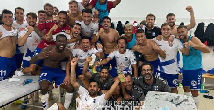 El Tenerife dispara la euforia venciendo al Almería (1-2)