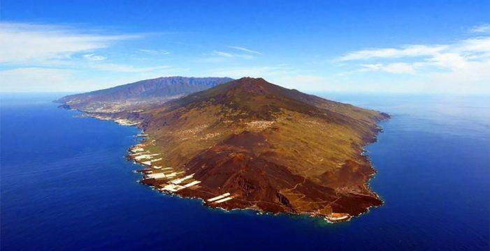 Detectan 50 seísmos en el volcán de Cumbre Vieja