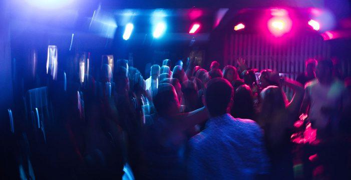 """Canarias, con seis brotes activos, avisa: las fiestas privadas se sancionarán """"duramente"""""""