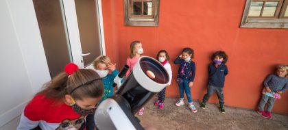 La cantera garafiana se acerca a los misterios de la Luna con el IAC