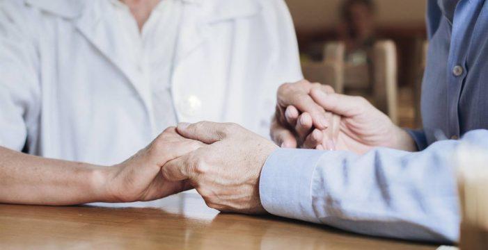 Tenerife muestra un riesgo pandémico medio y preocupa la incidencia en mayores, según un estudio