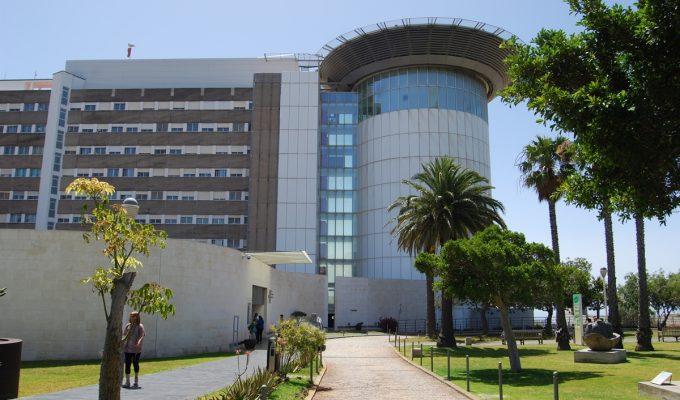 Unas 397 personas están hospitalizadas en Canarias con coronavirus, 78 de ellas en la UCI