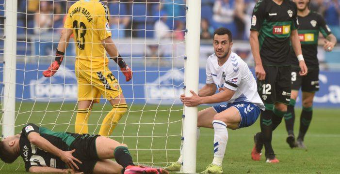 CD Tenerife y UD Las Palmas, un derbi para definir antes del inicio