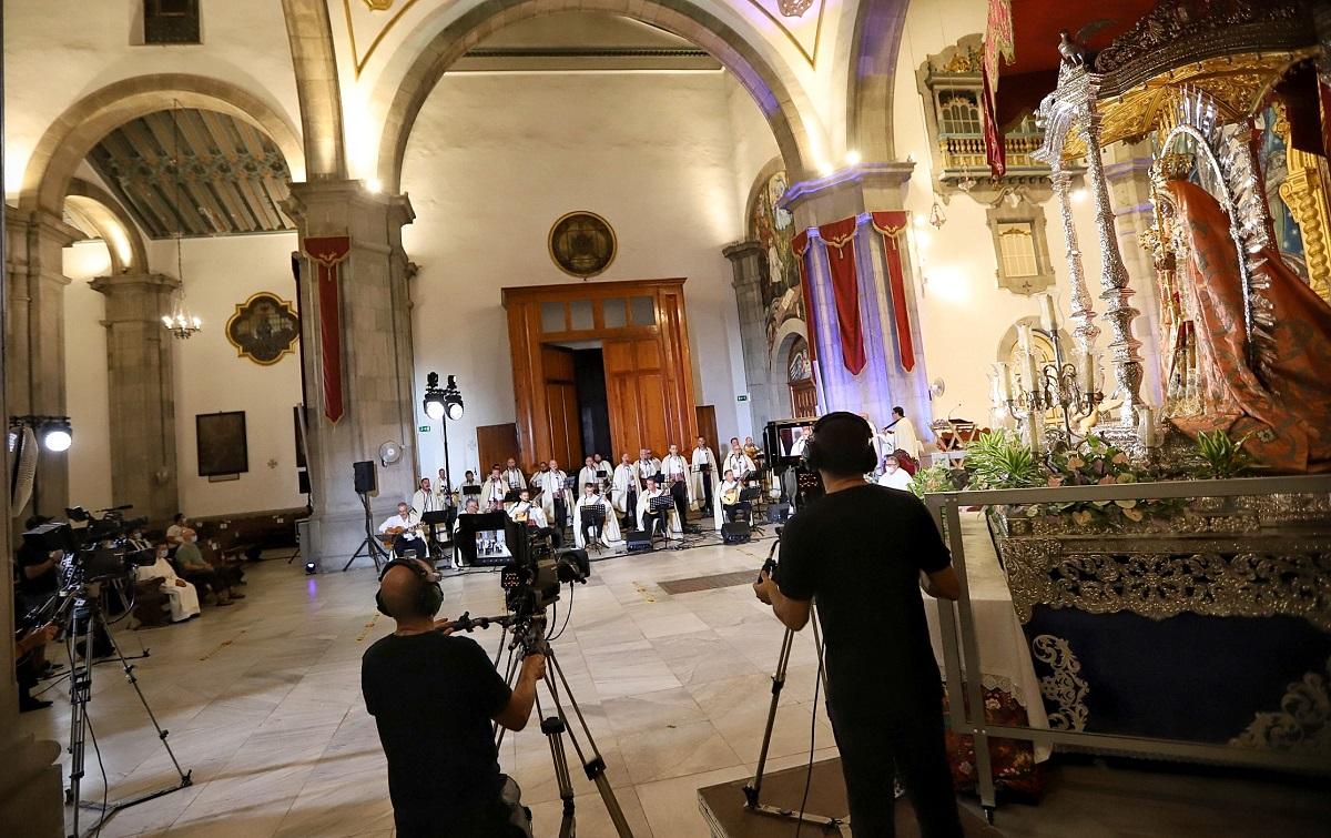 Los Sabandeños en la basílica de Candelaria