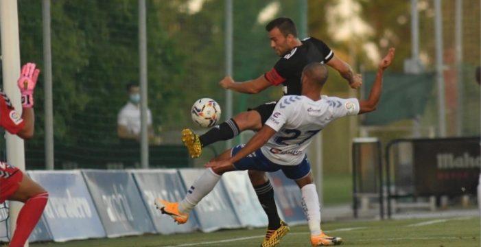 El Tenerife decide en la segunda parte frente al Cartagena (0-2)