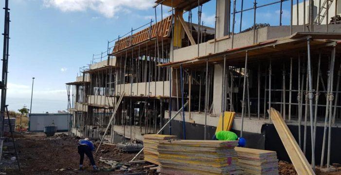 Santa Cruz formalizará solo 7 de las 20 viviendas comprometidas ya que el resto están ocupadas