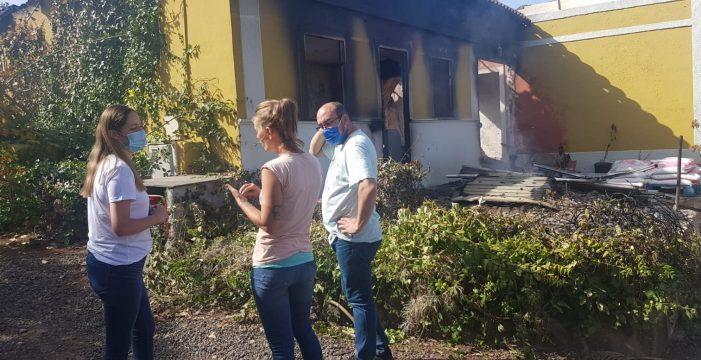 El desolador panorama del 'post': media docena de casas quemadas