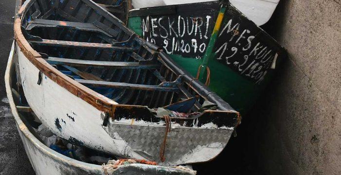 Llega una nueva patera durante la noche al Muelle de Arguineguín con 20 migrantes